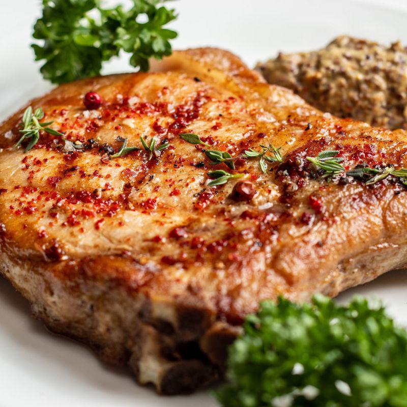 限平日午間/ 商午套餐 - 葛瑪蘭豬排與蘋果奶油醬 或 法式傳統醬 Kavalan Pork Chop