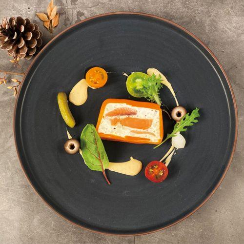 豪華鮭魚夢幻曲 / Salmon Fantasia with cavier, double salmon and creem cheese Saumon Fantasia au caviar, double saumon et fromage à la crème